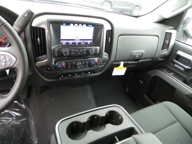 2019 Silverado 2500 Crew Cab 4x4,  Pickup #19122 - photo 16