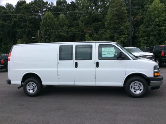 2017 Express 2500, Cargo Van #H1103369 - photo 5