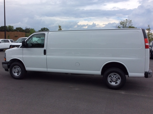 2017 Express 2500, Cargo Van #H1103369 - photo 8