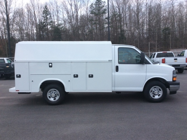 2017 Express 3500, Knapheide Service Utility Van #H1133017 - photo 3