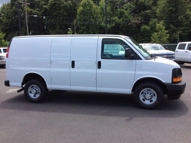 2017 Express 2500, Cargo Van #H1135623 - photo 4