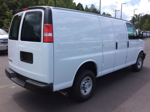 2017 Express 2500, Cargo Van #H1135623 - photo 5