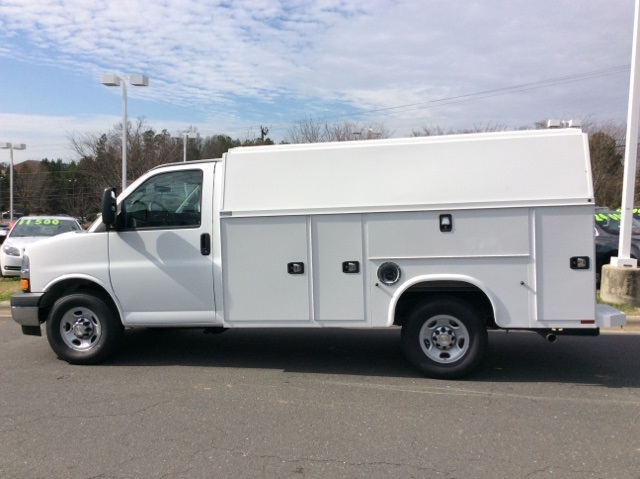 2017 Express 3500, Knapheide Service Utility Van #H1157437 - photo 8