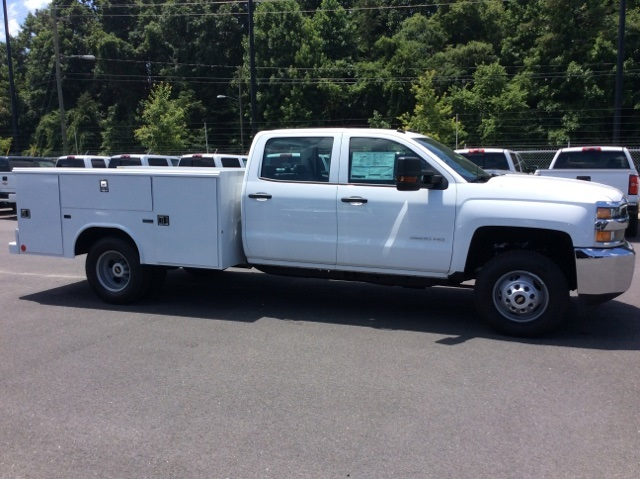 2017 Silverado 3500 Crew Cab DRW, Reading Classic II Steel Service Body #HF135414 - photo 4