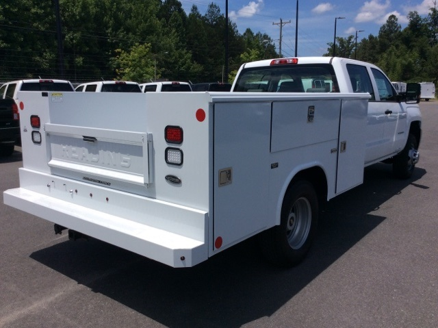 2017 Silverado 3500 Crew Cab DRW, Reading Service Body #HF135414 - photo 5