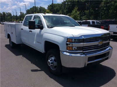 2017 Silverado 3500 Crew Cab DRW, Reading Classic II Steel Service Body #HF135414 - photo 3