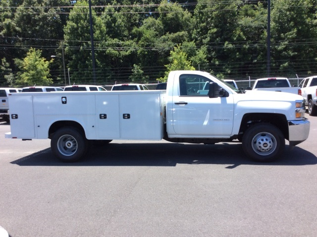 2017 Silverado 3500 Regular Cab DRW 4x4, Knapheide Service Body #HF176153 - photo 4