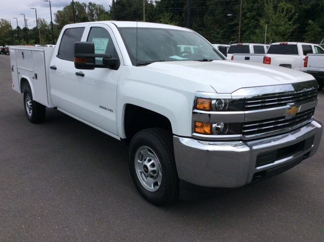 2017 Silverado 2500 Crew Cab, Reading Service Body #HF202982 - photo 3