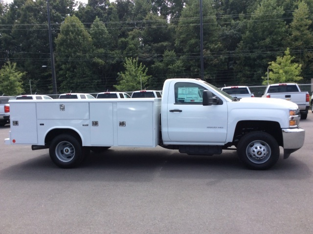 2017 Silverado 3500 Regular Cab DRW, Reading Service Body #HF214964 - photo 4