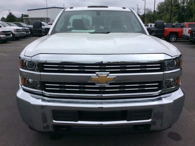 2017 Silverado 3500 Regular Cab DRW, Reading Service Body #HF219901 - photo 9
