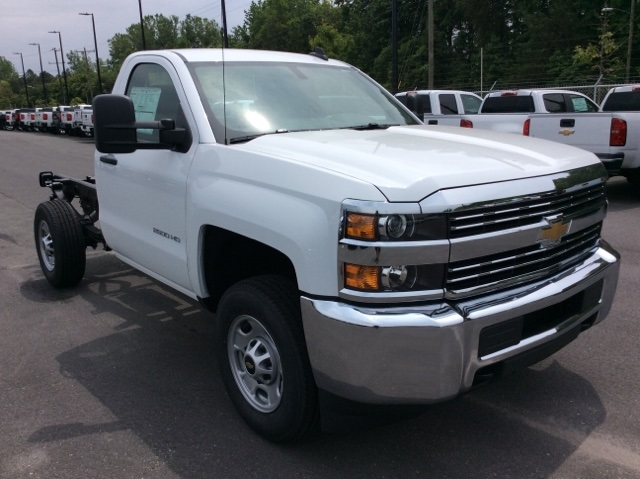 2017 Silverado 2500 Regular Cab, Reading Service Body #HZ308306 - photo 3