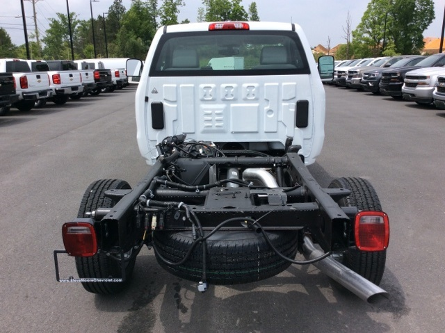 2017 Silverado 2500 Regular Cab, Reading Service Body #HZ308306 - photo 6