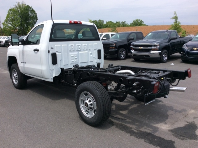 2017 Silverado 2500 Regular Cab, Reading Service Body #HZ308306 - photo 2