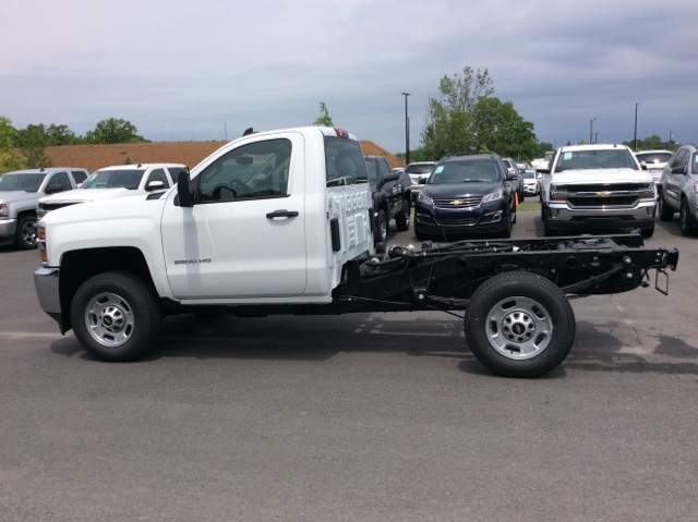 2017 Silverado 2500 Regular Cab, Reading Service Body #HZ308306 - photo 7