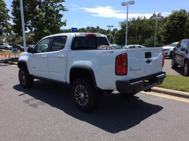 2018 Colorado Crew Cab 4x4,  Pickup #J1299668 - photo 2