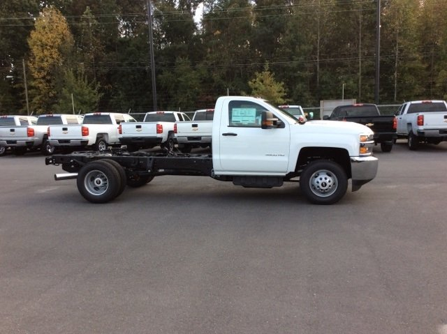 2018 Silverado 3500 Regular Cab DRW 4x4, Cab Chassis #JF137406 - photo 4