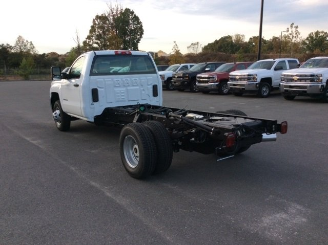 2018 Silverado 3500 Regular Cab DRW 4x4, Cab Chassis #JF137406 - photo 7