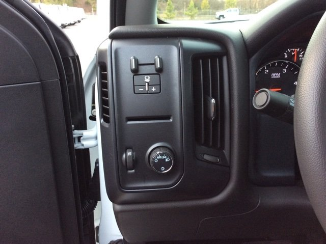 2018 Silverado 3500 Crew Cab 4x4, Pickup #JF185539 - photo 17