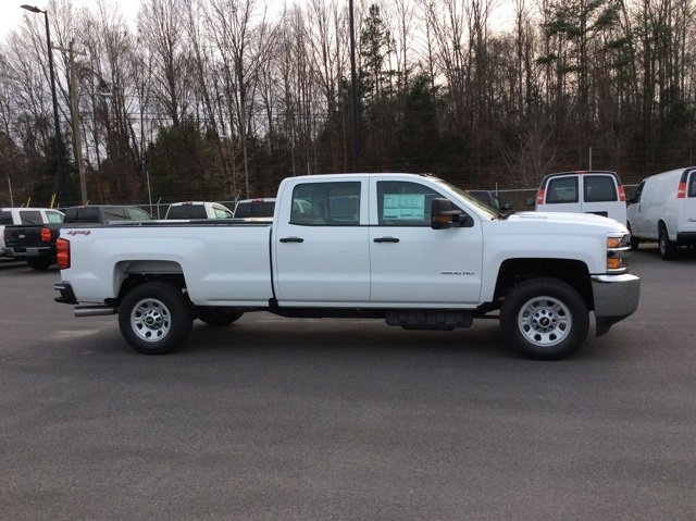 2018 Silverado 3500 Crew Cab 4x4, Pickup #JF185539 - photo 4