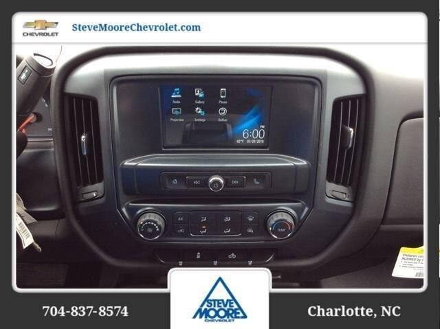 2018 Silverado 2500 Crew Cab 4x4,  Reading Service Body #JF259461 - photo 20