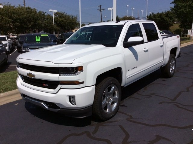 2018 Silverado 1500 Crew Cab 4x4,  Pickup #JG470876 - photo 1