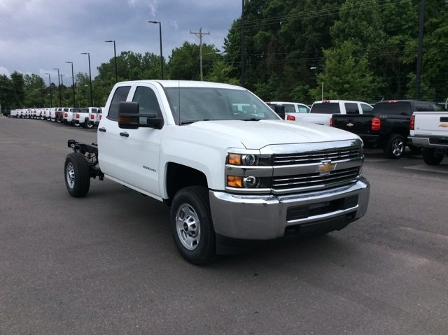 2018 Silverado 2500 Double Cab 4x2,  Cab Chassis #JZ343844 - photo 3