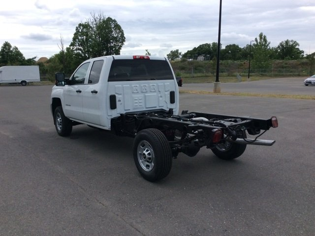 2018 Silverado 2500 Double Cab 4x2,  Cab Chassis #JZ343844 - photo 7
