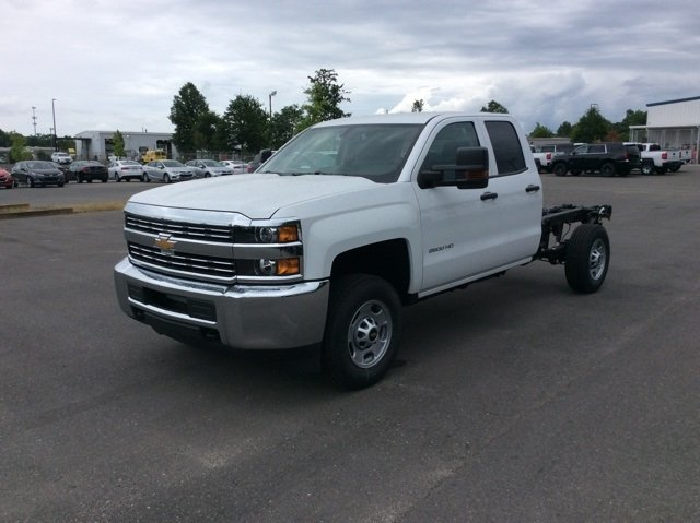 2018 Silverado 2500 Double Cab 4x2,  Cab Chassis #JZ343844 - photo 8