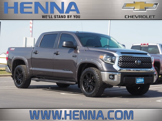 2018 Toyota Tundra Crew Cab 4x2, Pickup #JX232883 - photo 1