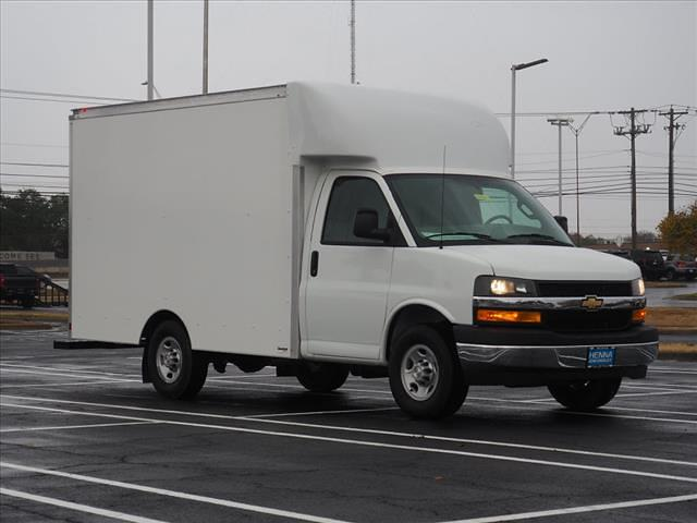 2020 Chevrolet Express 3500 4x2, Supreme Cutaway Van #L1268427 - photo 1