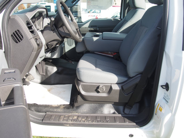 2016 F-250 Regular Cab 4x4, Pickup #T26207 - photo 10