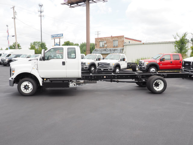 2017 F-650 Super Cab, Cab Chassis #T26683 - photo 3