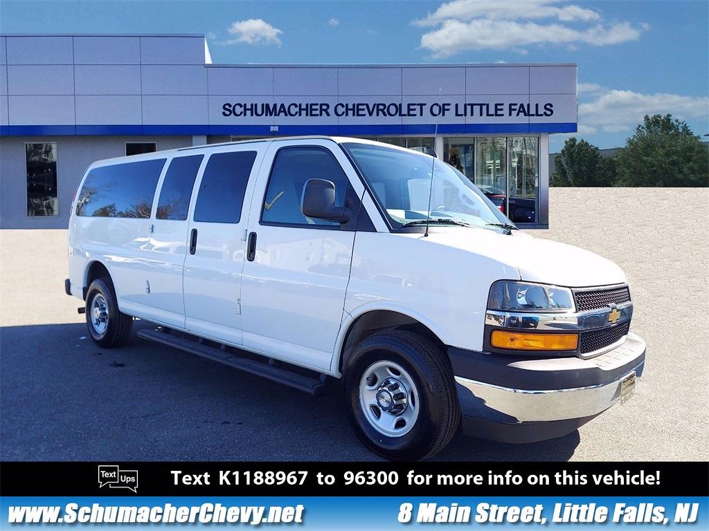 2019 Chevrolet Express 3500 4x2, Passenger Wagon #14526 - photo 1
