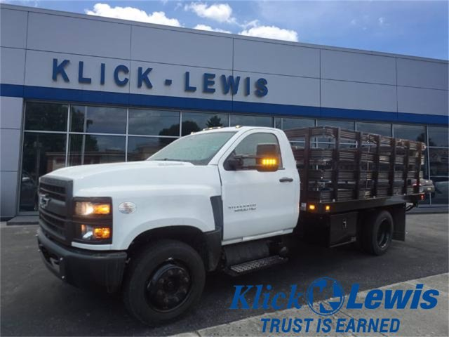 2020 Chevrolet Silverado 6500 Regular Cab DRW 4x2, Knapheide Stake Bed #0824120 - photo 1