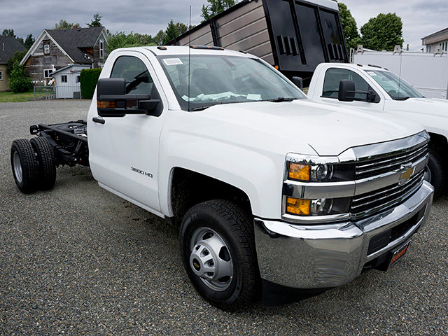 2016 Silverado 3500 Regular Cab, Cab Chassis #11086 - photo 26