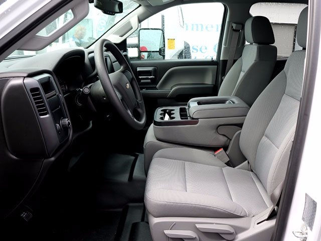 2016 Silverado 3500 Double Cab, Cab Chassis #12579 - photo 4