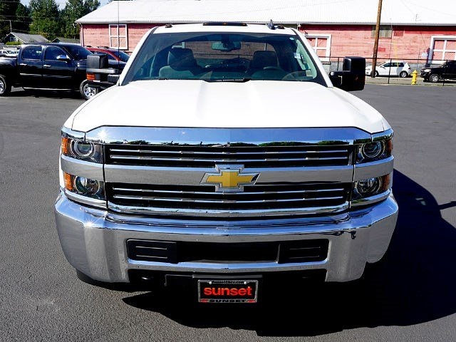 2016 Silverado 3500 Double Cab, Cab Chassis #12580 - photo 4