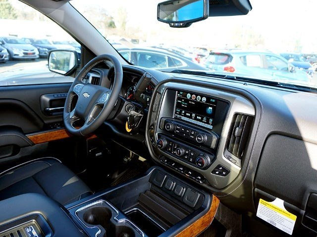 2017 Silverado 1500 Crew Cab 4x4, Pickup #12858 - photo 11