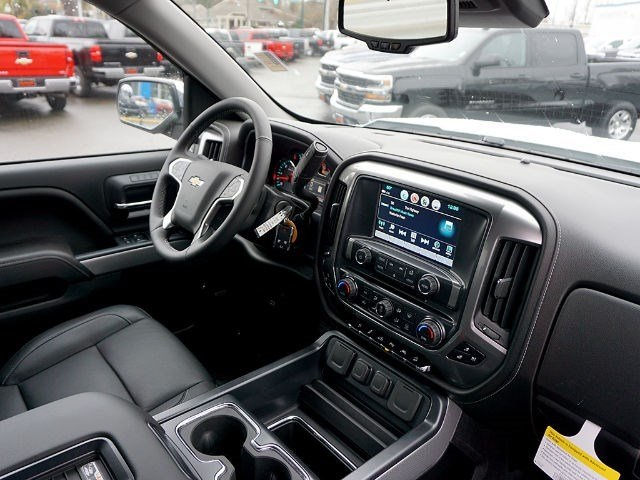 2017 Silverado 1500 Crew Cab 4x4, Pickup #13028 - photo 11