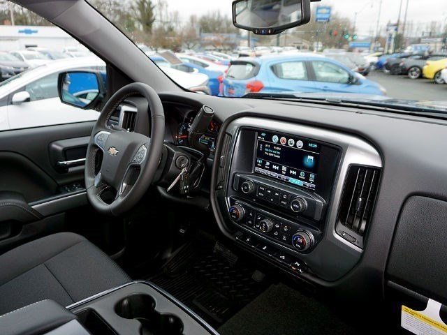 2017 Silverado 1500 Crew Cab 4x4, Pickup #13116 - photo 12