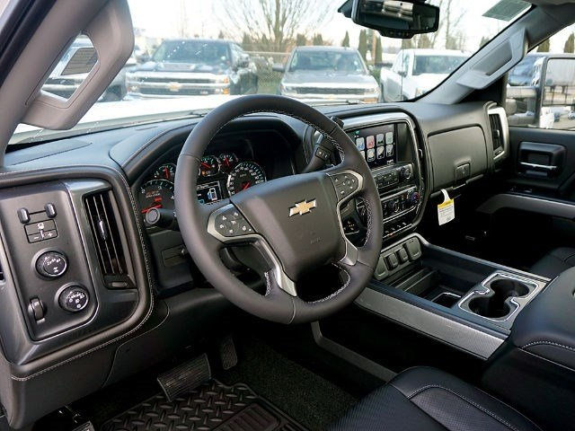 2017 Silverado 2500 Crew Cab 4x4, Pickup #13567 - photo 7