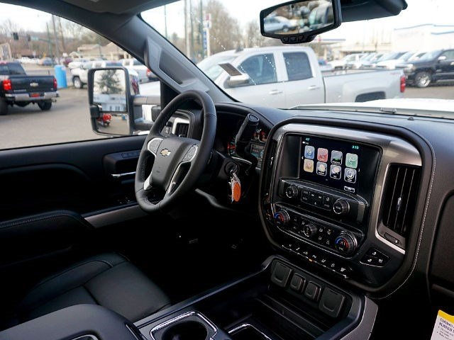 2017 Silverado 2500 Crew Cab 4x4, Pickup #13567 - photo 11