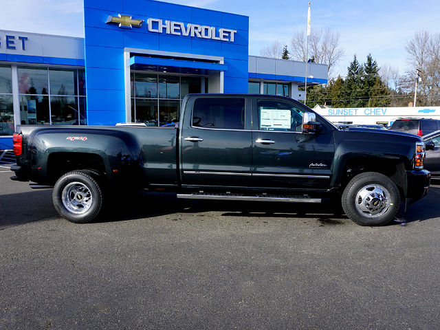 2017 Silverado 3500 Crew Cab 4x4, Pickup #13674 - photo 4