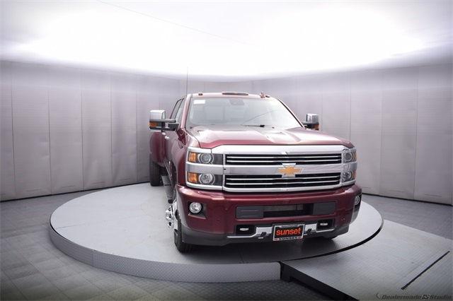 2017 Silverado 3500 Crew Cab 4x4, Pickup #13885 - photo 9