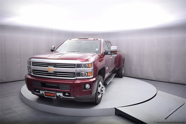 2017 Silverado 3500 Crew Cab 4x4, Pickup #13885 - photo 10