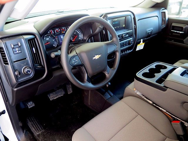 2017 Silverado 3500 Crew Cab 4x4, Platform Body #13967 - photo 10
