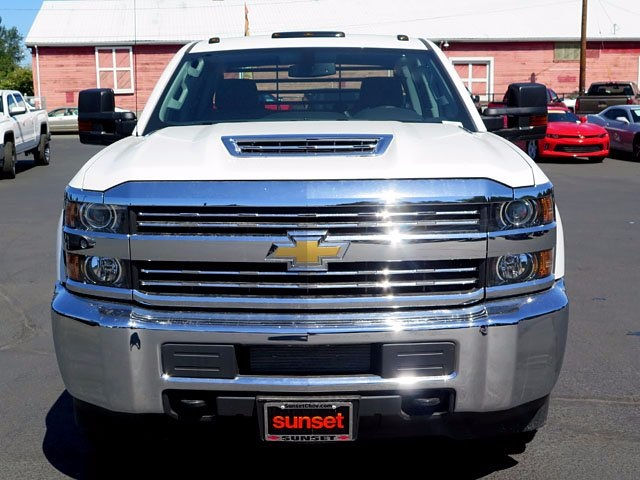2017 Silverado 3500 Crew Cab 4x4, Platform Body #13967 - photo 6