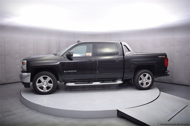 2017 Silverado 1500 Crew Cab 4x4, Pickup #13975 - photo 3