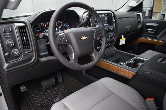 2017 Silverado 2500 Crew Cab 4x4, Pickup #14134 - photo 11