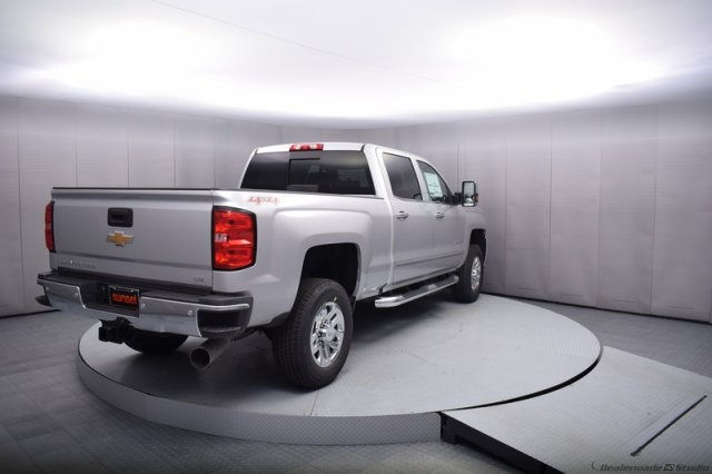 2017 Silverado 2500 Crew Cab 4x4, Pickup #14134 - photo 2